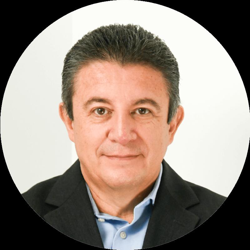 Miguel López A.